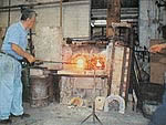 A glass master at work